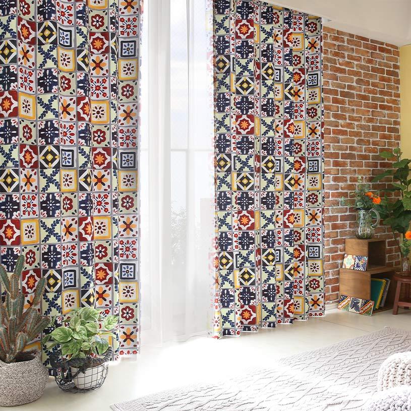 メキシコのカラフルなタイルが描かれたドレープカーテン~イダルゴ~