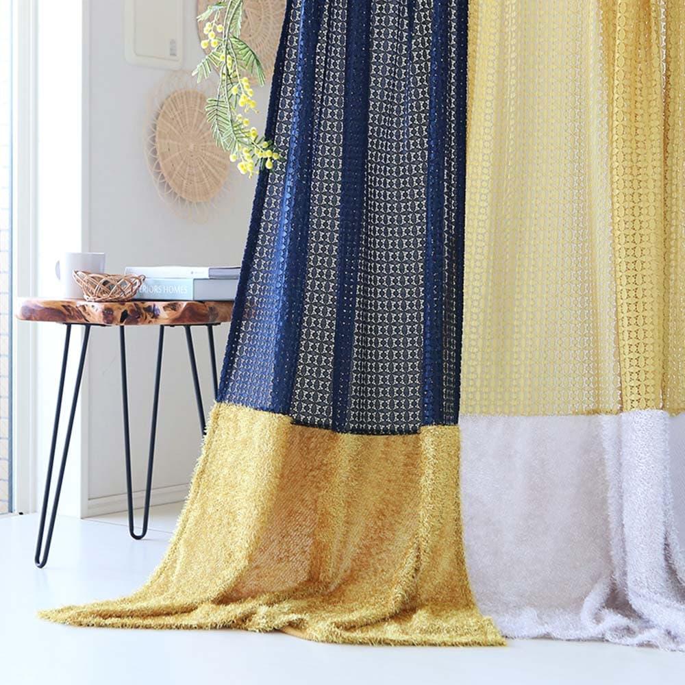 レースカーテン ワンピースをイメージし、レースとジャガードを組み合わせたデコレイトカーテン<ファッション>