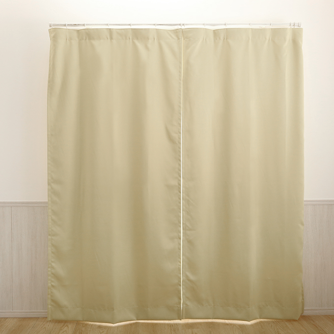 フラットのカーテン