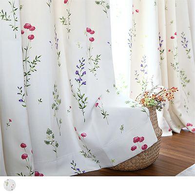 なでしこや草花たちを水彩画タッチで描いた、ボタニカルな花柄カーテン~ミア~アイボリー/ ベーシックスタイル 標準1.5倍ヒダ(2つ山)